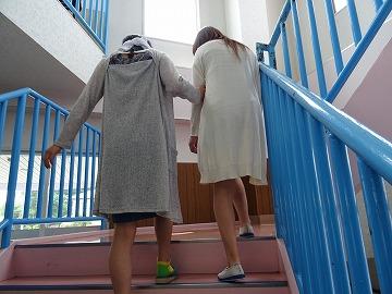 「何気ない階段でも怖いでしょ! 介助者の声って大切なんだよ」 by先生