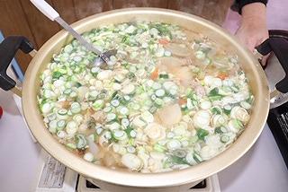 大きな鍋で作った豚汁は最高です